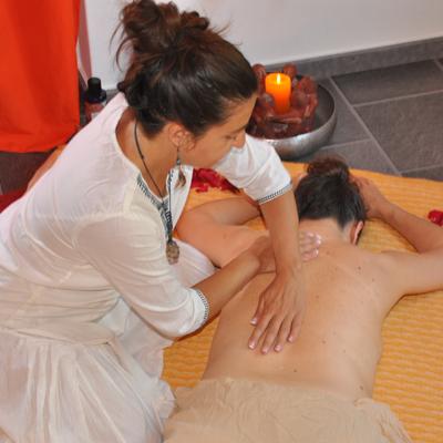 masaje-tahilandes-con-aceite-h400
